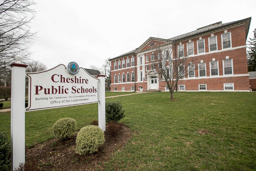 Cheshire Public Schools administration office. Dave Zajac, Record-Journal