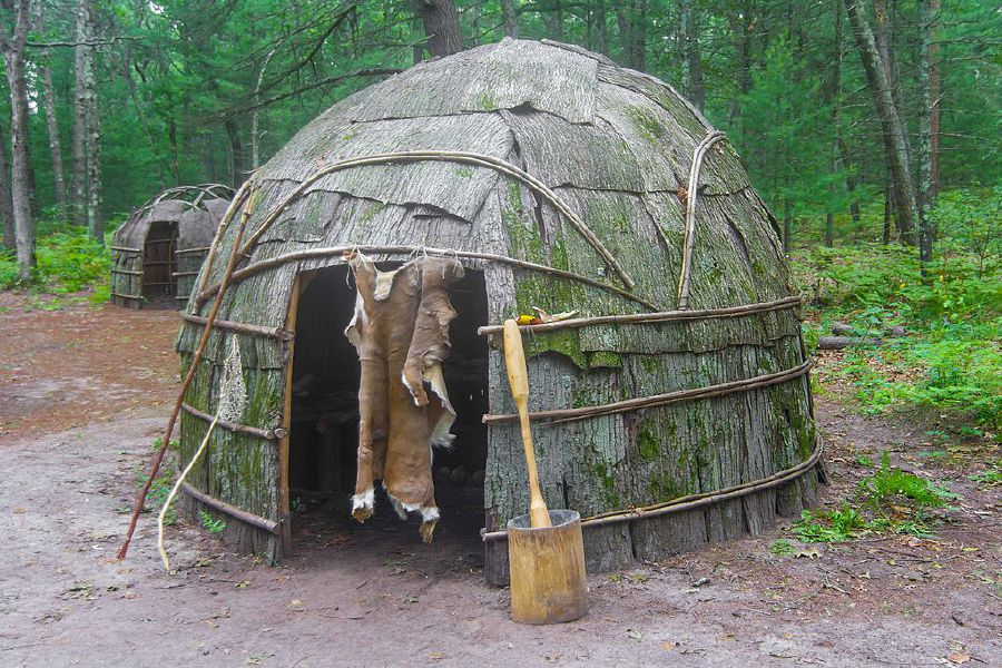 Photo courtesy of Ana Arellano – This is a reproduction of an wigwam, similar to ones that would have been constructed by Quinnipiac living in what is now Cheshire.