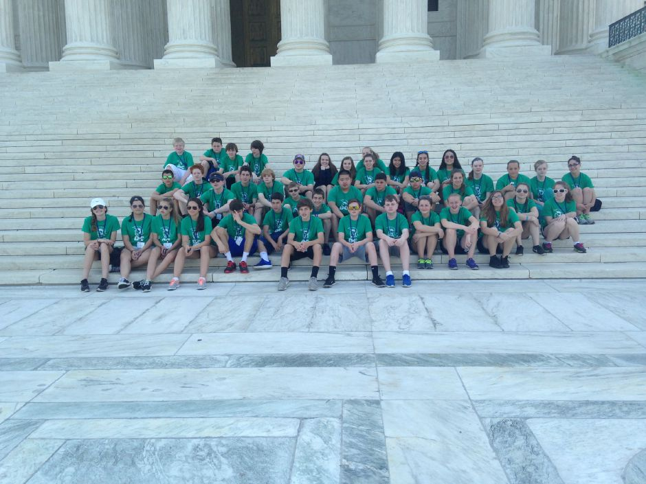 Photo courtesy of Dodd Middle School – Dodd Middle School eighth grade poses on the steps of the Lincoln Memorial in Washington D.C. during a recent trip.