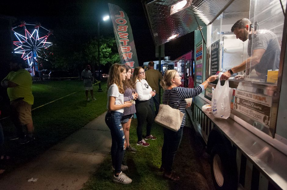 Al Valerio/Cheshire Herald – There were plenty of food trucks from which to choose at the 2018 Cheshire Fall Festival & Marketplace Friday night Kickoff Food Truck and Concert event.