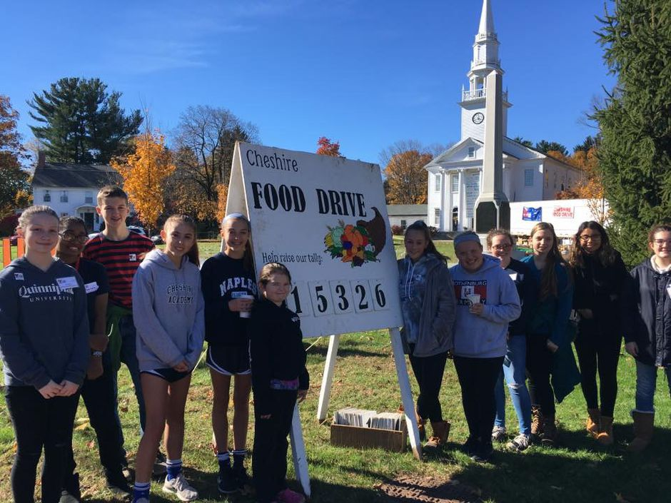 CHS student volunteers at the 2018 Cheshire Food Drive. Photo submitted by Marlena Soble