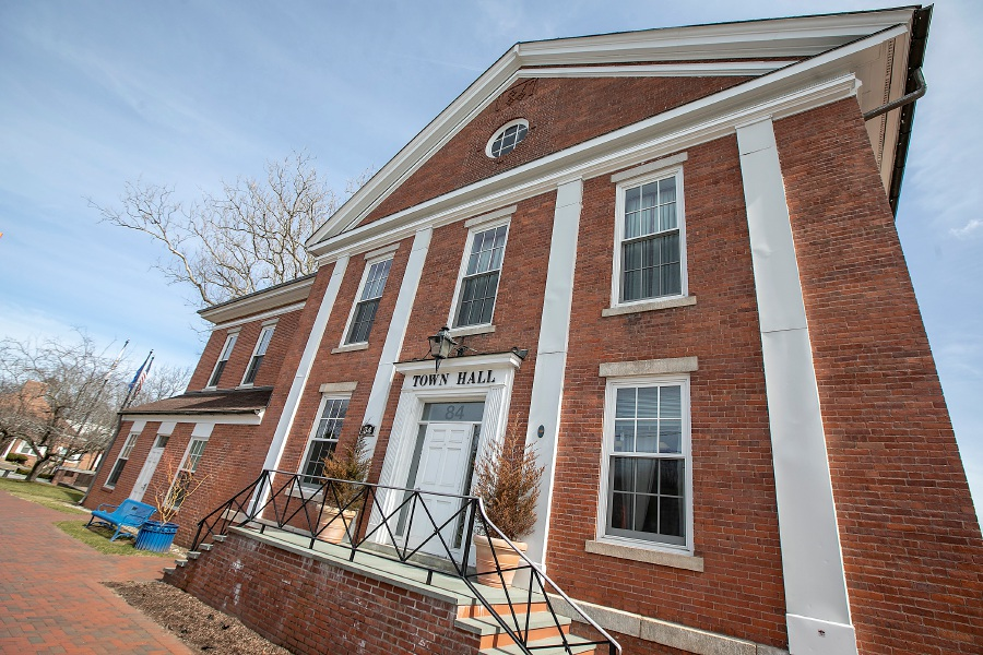 Cheshire Town Hall, Mon., March 16, 2020 – Dave Zajac/Record-Journal