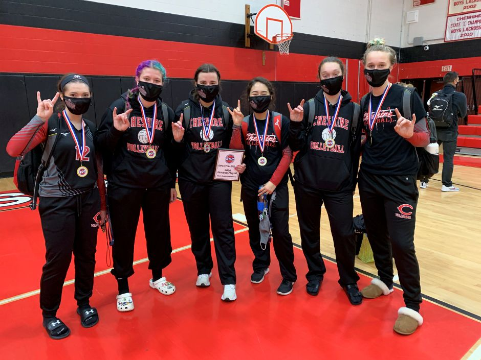 From left, seniors Madison Ballschmieder, Avery Gress, Sarah Holley, Danielle Hersh, Hannah Portal, and Alenna Zebarth finished their CHS volleyball careers as SCC Division B champions. Photo taken by Greg Lederer/Cheshire Herald.